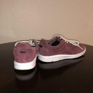89495e7273c642 Vans Shoes - Vans Iso 1.5 Tweed Dots Burgundy Suede   White